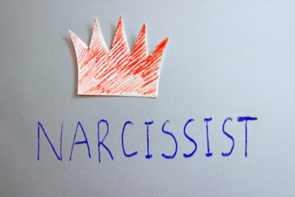 Narcissist word with red crown
